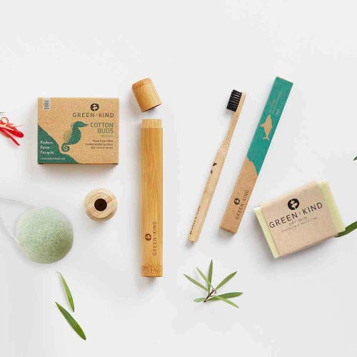 Green + Kind Eco Beauty Box Dry Skin