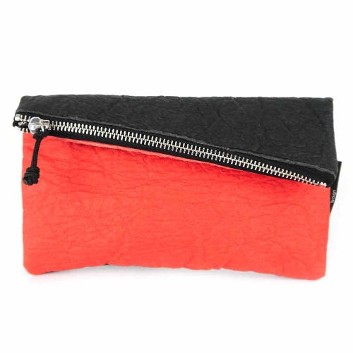 Maravillas Piñatex Purse - Black & Red