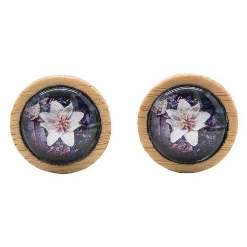 Myrtle & Me Stud Earrings - Sassafras Flower