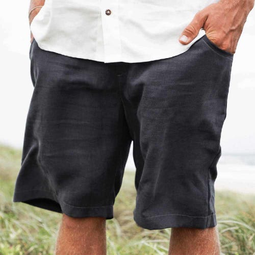 Tasi Travels Men's Roamer Shorts