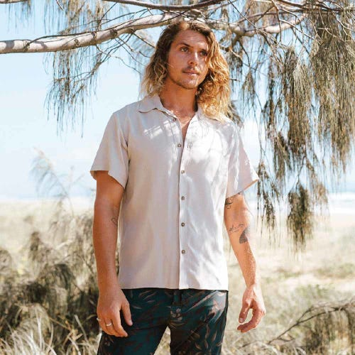 Tasi Travels Men's Voyager Shirt Sand
